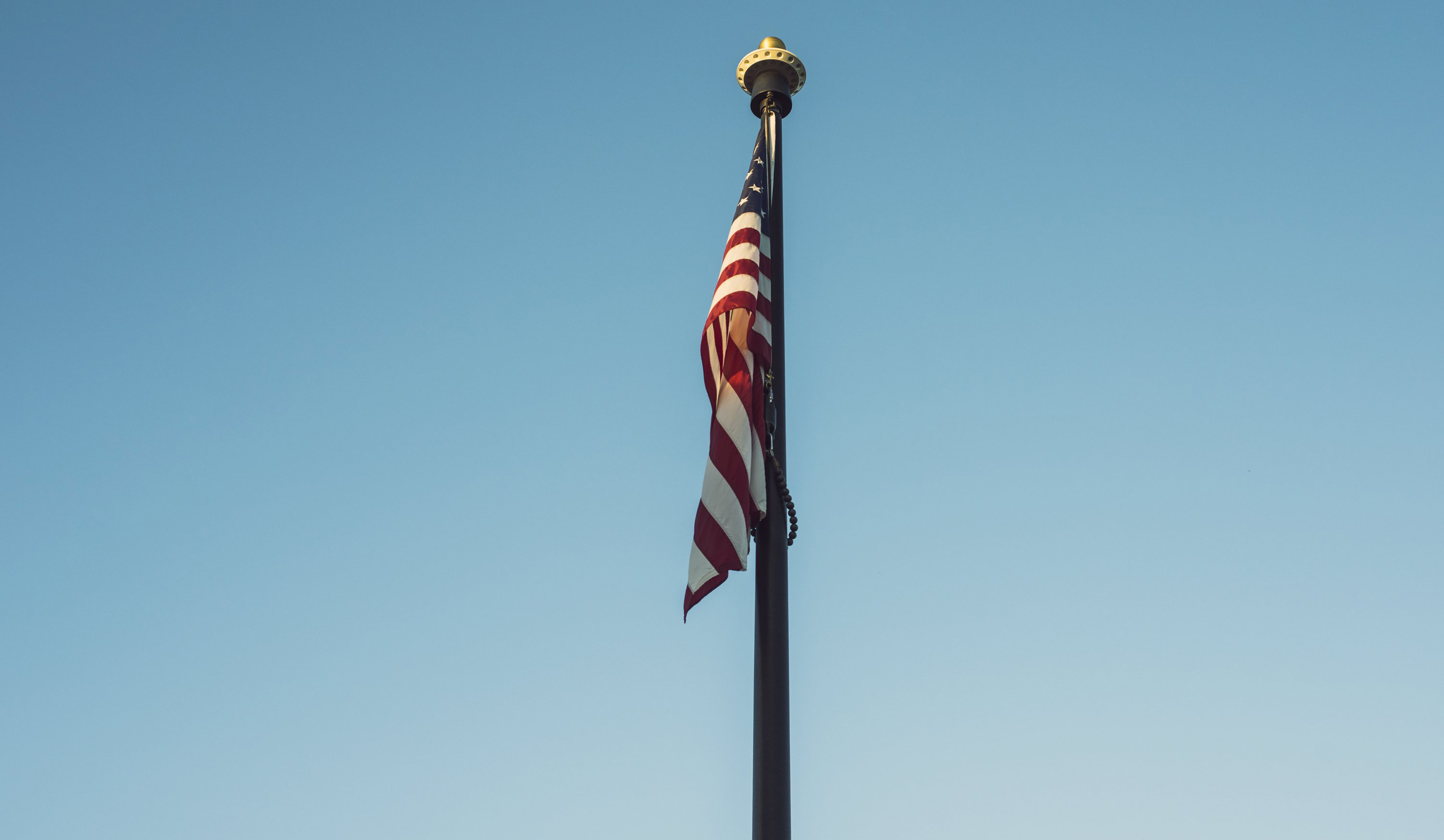 cropped_american-flag-on-pole