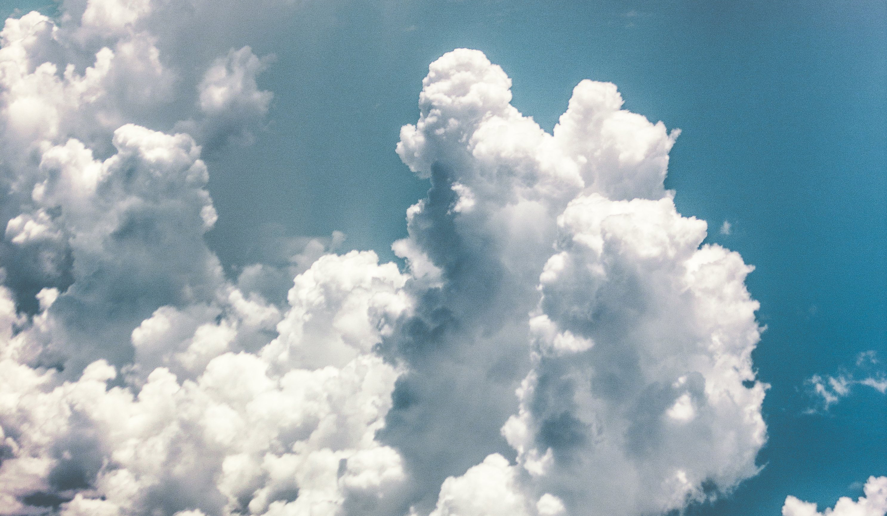 cropped_dreamy-clouds