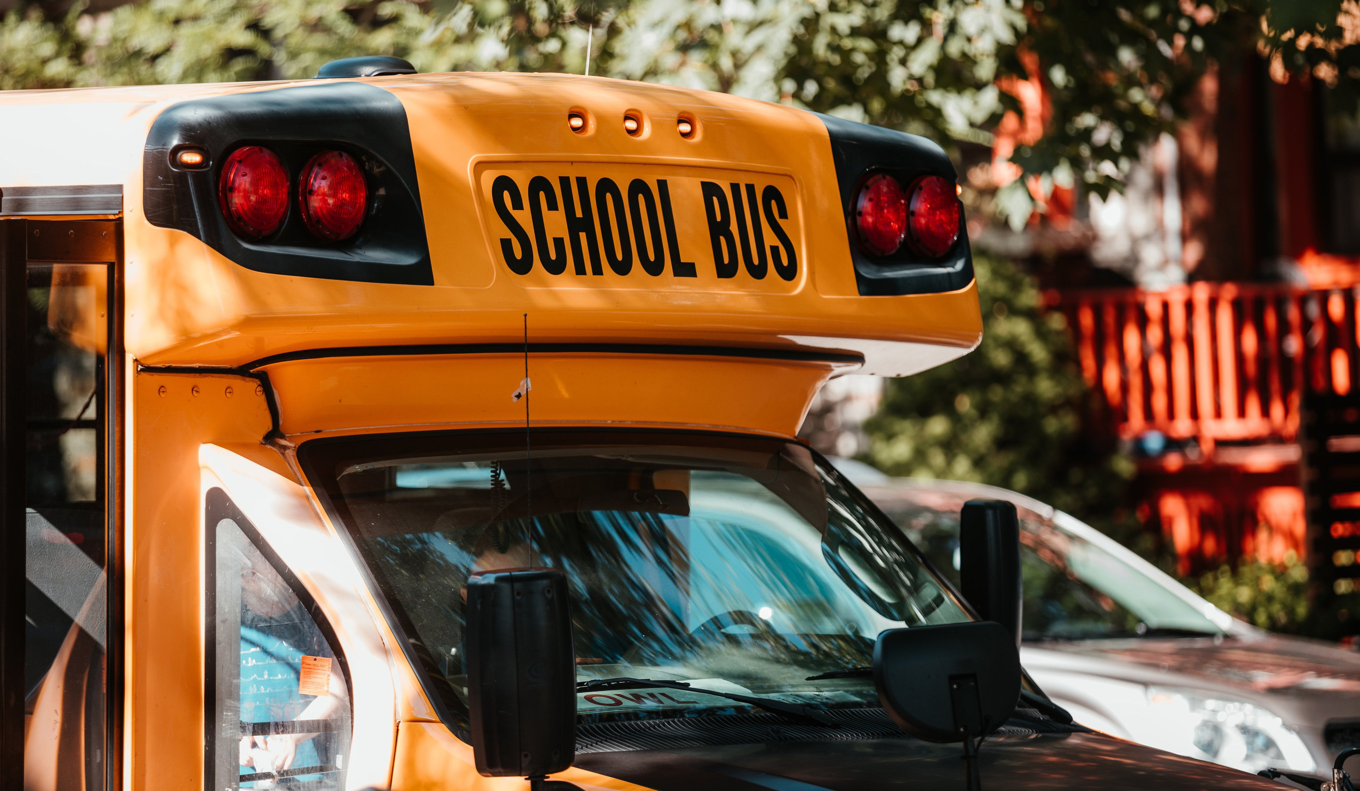 cropped_sunny-school-bus